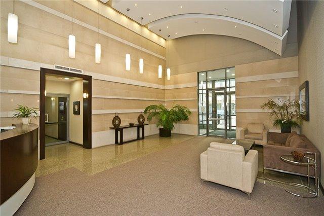 Condo Apartment at 23 Hollywood Ave, Unit 209, Toronto, Ontario. Image 7