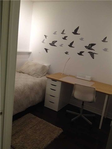 Condo Apartment at 23 Hollywood Ave, Unit 209, Toronto, Ontario. Image 4