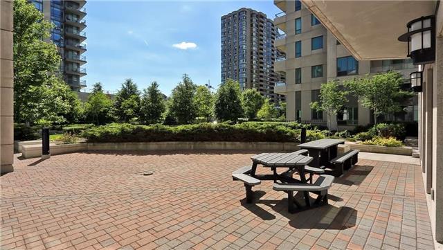Condo Apartment at 23 Hollywood Ave, Unit 209, Toronto, Ontario. Image 6