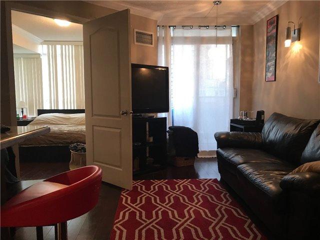 Condo Apartment at 2 Rean Dr, Unit 1013, Toronto, Ontario. Image 2
