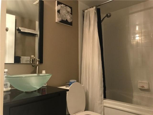 Condo Apartment at 2 Rean Dr, Unit 1013, Toronto, Ontario. Image 6