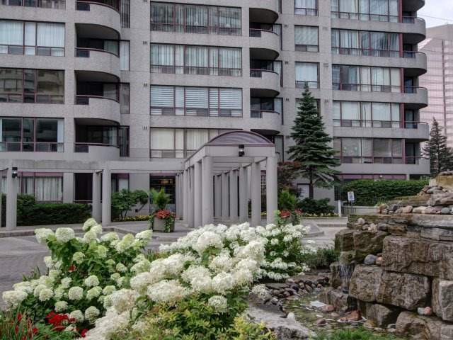 Condo Apartment at 5765 Yonge St, Unit 806, Toronto, Ontario. Image 12