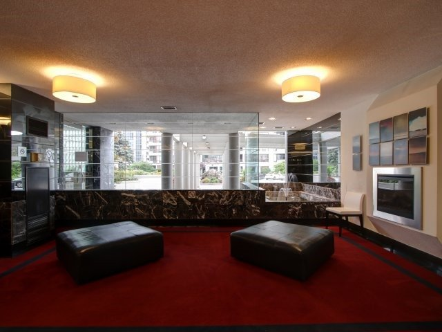 Condo Apartment at 5765 Yonge St, Unit 806, Toronto, Ontario. Image 13