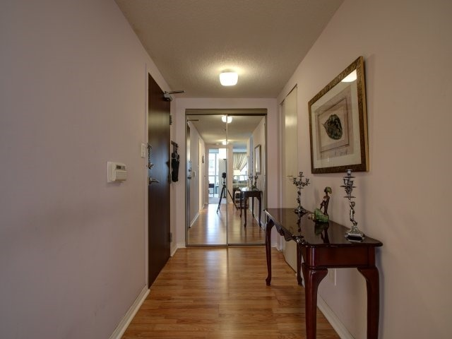 Condo Apartment at 5765 Yonge St, Unit 806, Toronto, Ontario. Image 15