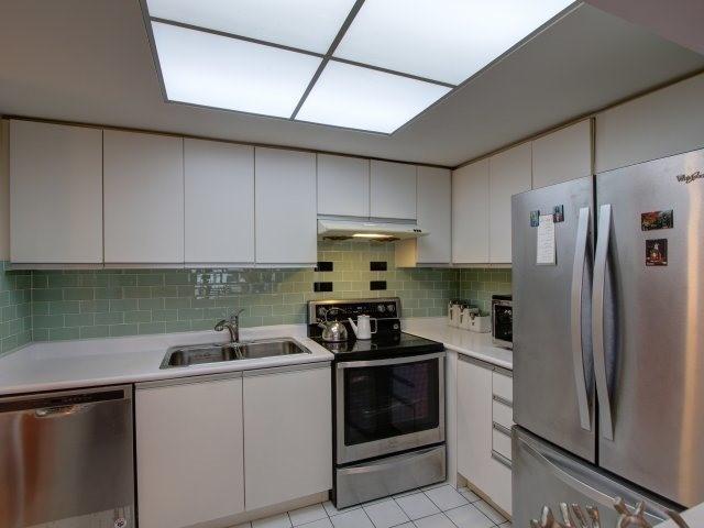 Condo Apartment at 5765 Yonge St, Unit 806, Toronto, Ontario. Image 18