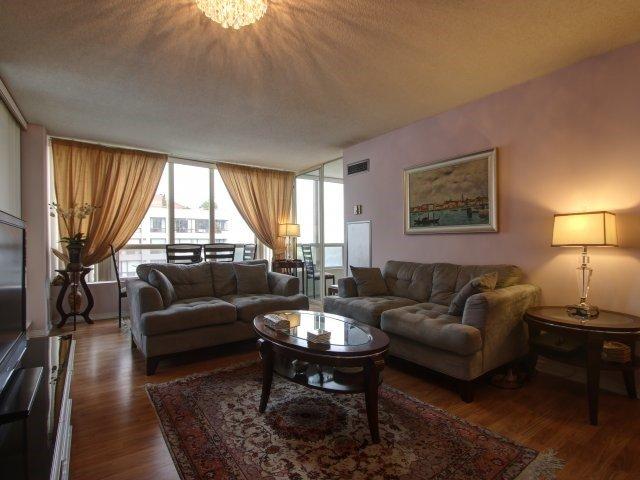 Condo Apartment at 5765 Yonge St, Unit 806, Toronto, Ontario. Image 2