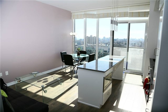 Condo Apartment at 426 University Ave, Unit 2002, Toronto, Ontario. Image 8