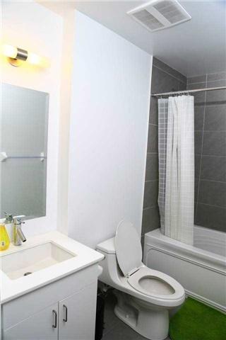 Condo Apartment at 426 University Ave, Unit 2002, Toronto, Ontario. Image 2
