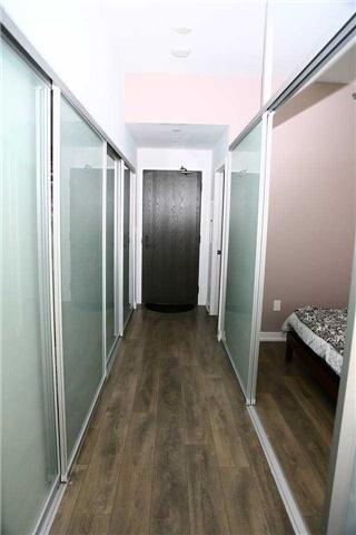 Condo Apartment at 426 University Ave, Unit 2002, Toronto, Ontario. Image 3