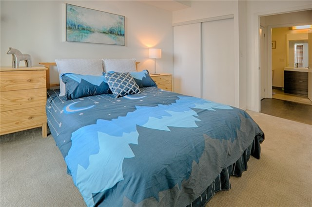 Condo Apartment at 62 Forest Manor Rd, Unit 206, Toronto, Ontario. Image 7
