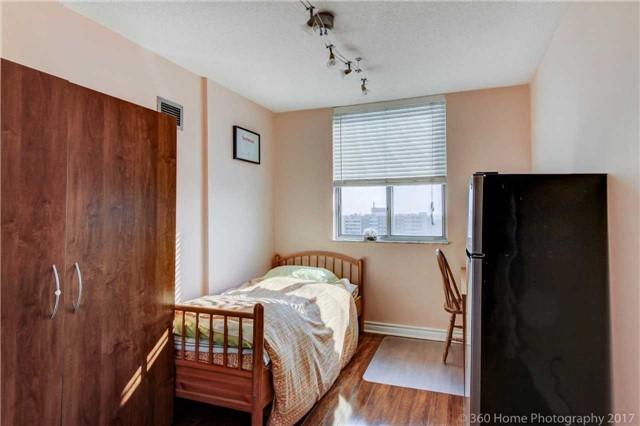 Condo Apartment at 205 Hilda Ave, Unit 2008, Toronto, Ontario. Image 3