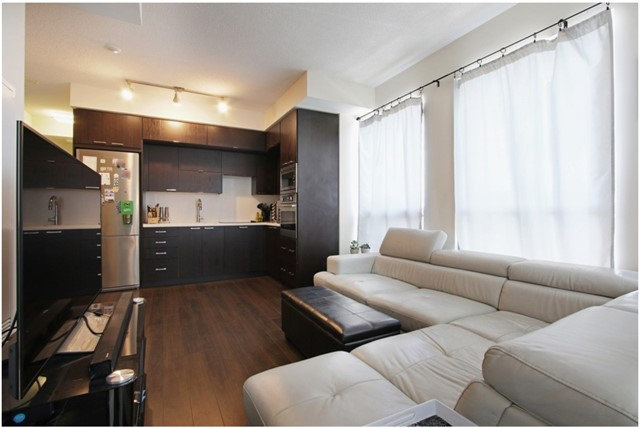 Condo Apartment at 120 Harrison Garden Blvd, Unit 1306, Toronto, Ontario. Image 10