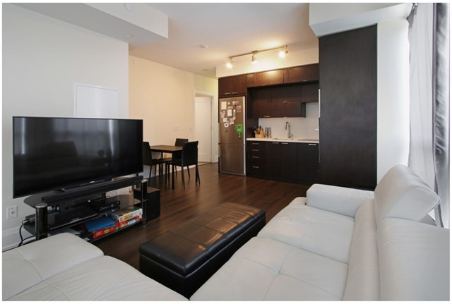 Condo Apartment at 120 Harrison Garden Blvd, Unit 1306, Toronto, Ontario. Image 11