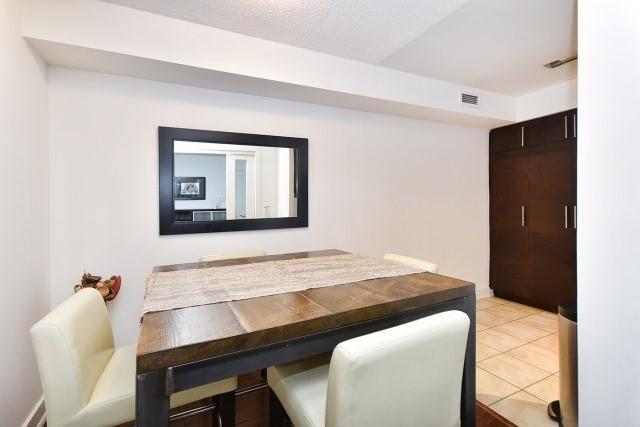 Condo Apartment at 20 Blue Jays Way, Unit 1403, Toronto, Ontario. Image 15