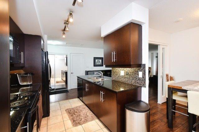 Condo Apartment at 20 Blue Jays Way, Unit 1403, Toronto, Ontario. Image 18