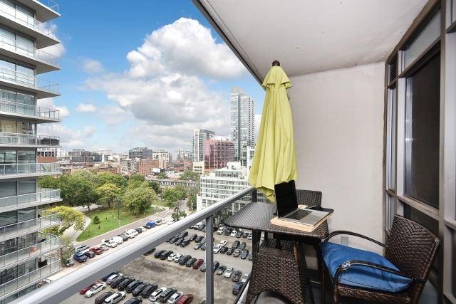 Condo Apartment at 20 Blue Jays Way, Unit 1403, Toronto, Ontario. Image 5