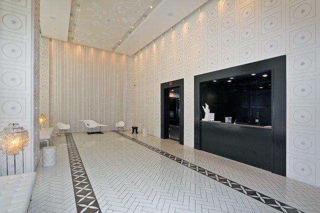 Condo Apartment at 20 Blue Jays Way, Unit 1403, Toronto, Ontario. Image 7