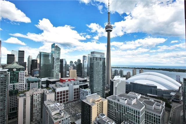 Condo Apartment at 88 Blue Jays Way, Unit 3903, Toronto, Ontario. Image 1