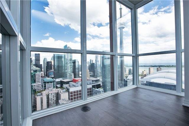 Condo Apartment at 88 Blue Jays Way, Unit 3903, Toronto, Ontario. Image 5