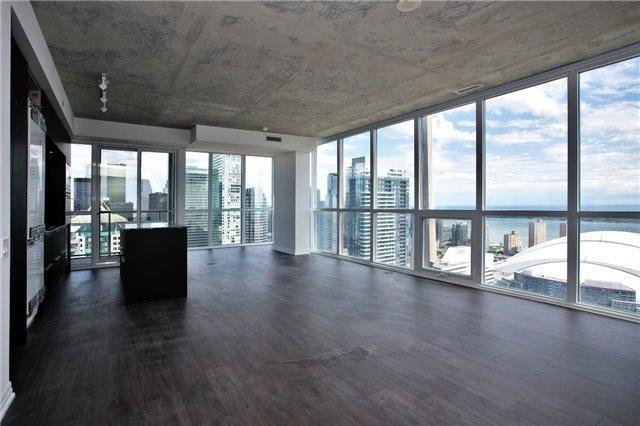 Condo Apartment at 88 Blue Jays Way, Unit 3903, Toronto, Ontario. Image 7