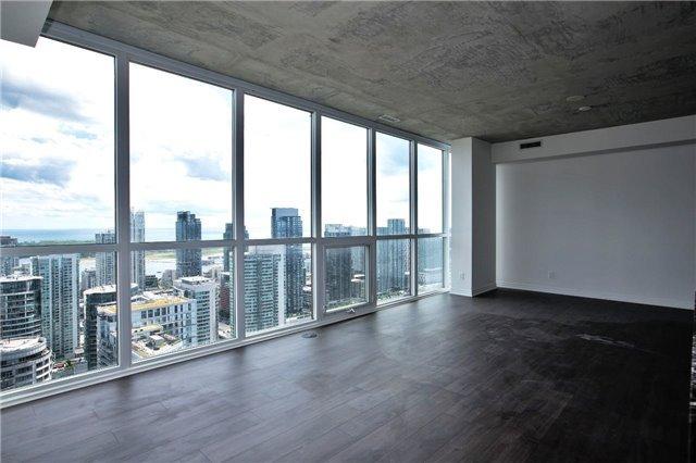 Condo Apartment at 88 Blue Jays Way, Unit 3903, Toronto, Ontario. Image 9
