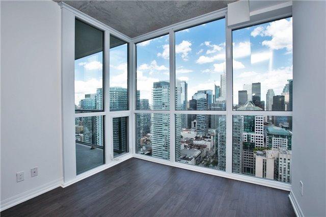Condo Apartment at 88 Blue Jays Way, Unit 3903, Toronto, Ontario. Image 10