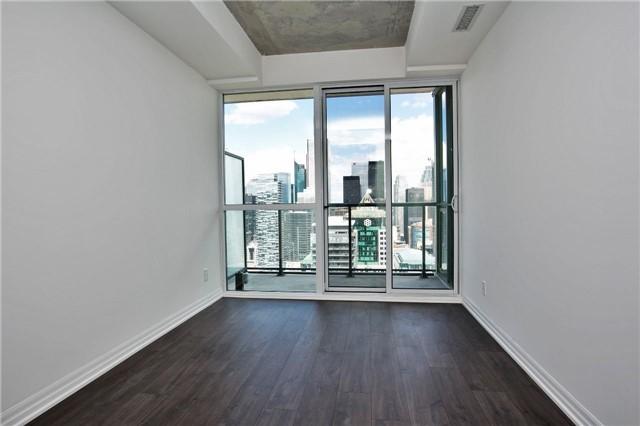 Condo Apartment at 88 Blue Jays Way, Unit 3903, Toronto, Ontario. Image 11
