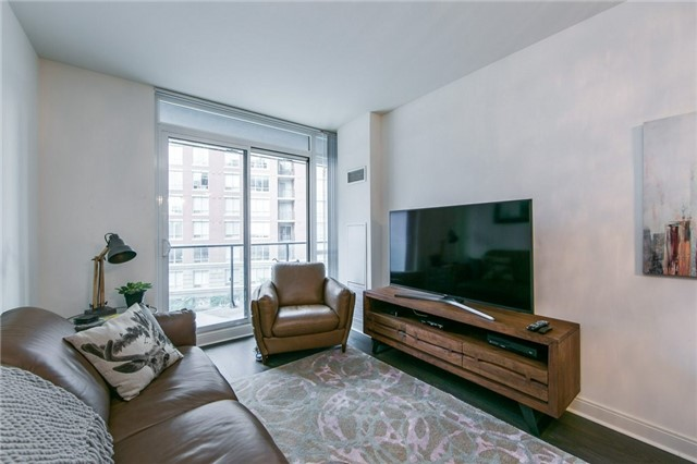 Condo Apartment at 825 Church St, Unit 516, Toronto, Ontario. Image 14