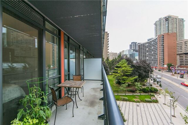 Condo Apartment at 825 Church St, Unit 516, Toronto, Ontario. Image 4