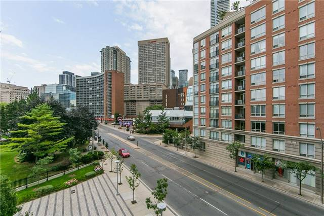 Condo Apartment at 825 Church St, Unit 516, Toronto, Ontario. Image 6