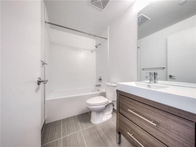 Condo Apartment at 66 Forest Manor Rd, Unit 410, Toronto, Ontario. Image 9
