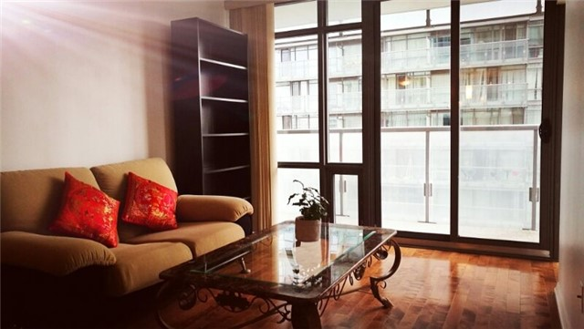 Condo Apartment at 38 Grenville St, Unit 1709, Toronto, Ontario. Image 5