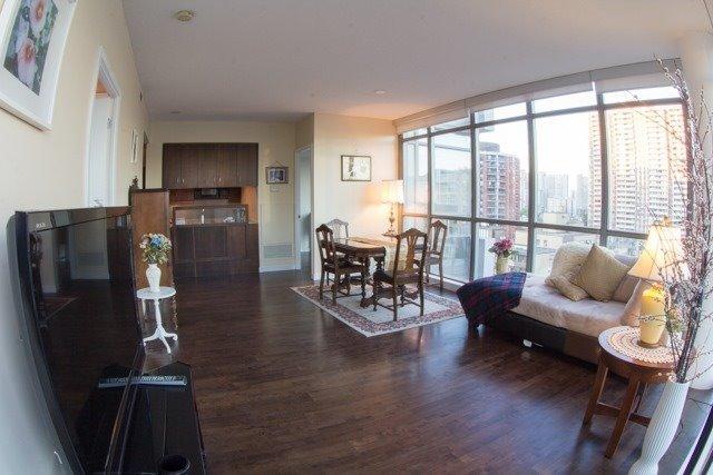 Condo Apartment at 281 Mutual St, Unit 1201, Toronto, Ontario. Image 12
