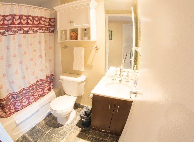 Condo Apartment at 281 Mutual St, Unit 1201, Toronto, Ontario. Image 15