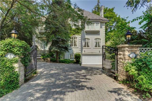 Detached at 2 Forest Glen Cres, Toronto, Ontario. Image 11