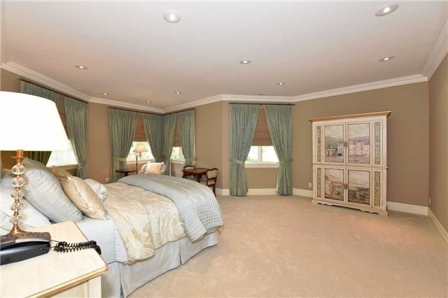 Detached at 2 Forest Glen Cres, Toronto, Ontario. Image 16
