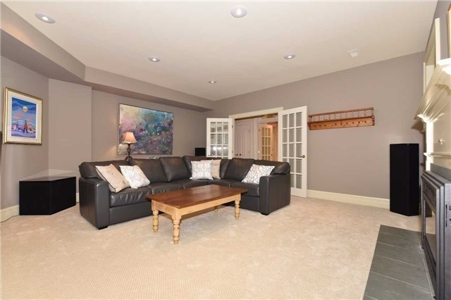 Detached at 2 Forest Glen Cres, Toronto, Ontario. Image 6