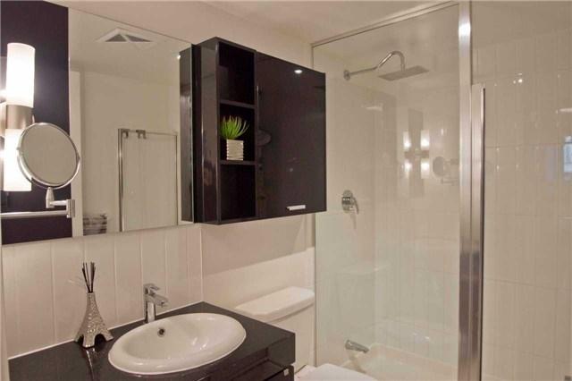 Condo Apartment at 29 Singer Crt, Unit 902, Toronto, Ontario. Image 17
