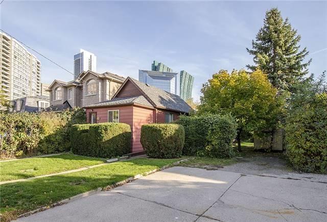 Detached at 65 Elmhurst Ave, Toronto, Ontario. Image 2