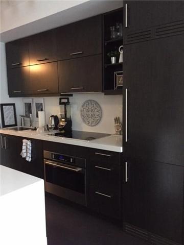 Condo Apartment at 65 St Mary St, Unit 1411, Toronto, Ontario. Image 2