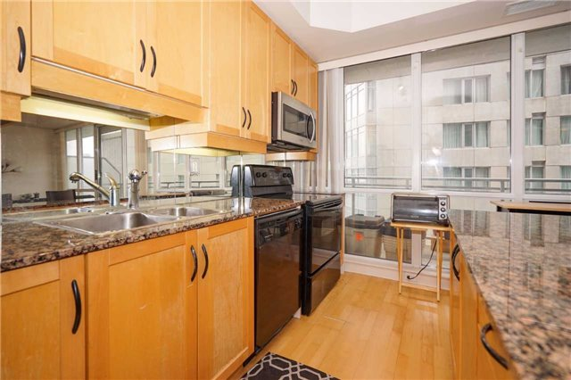 Condo Apartment at 220 Victoria St, Unit 1505, Toronto, Ontario. Image 11