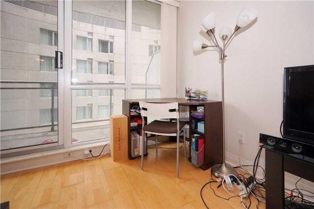 Condo Apartment at 220 Victoria St, Unit 1505, Toronto, Ontario. Image 2