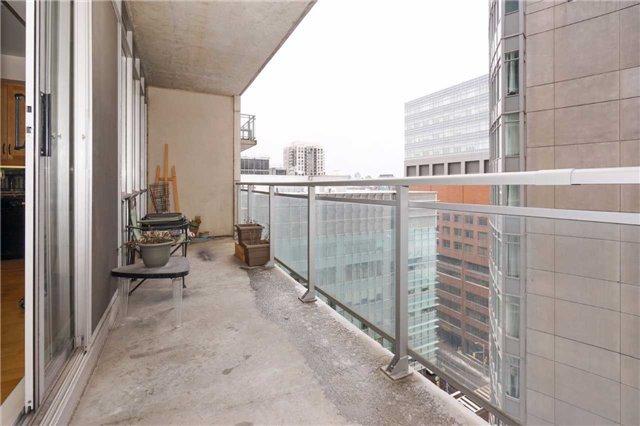 Condo Apartment at 220 Victoria St, Unit 1505, Toronto, Ontario. Image 8