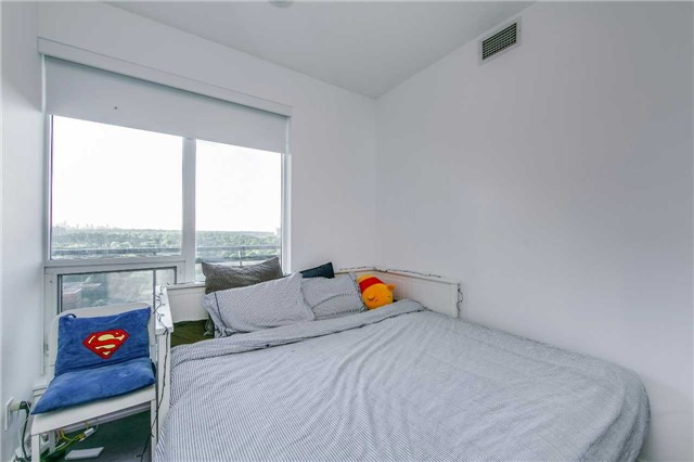 Condo With Common Elements at 225 Sackville St, Unit 1710, Toronto, Ontario. Image 5