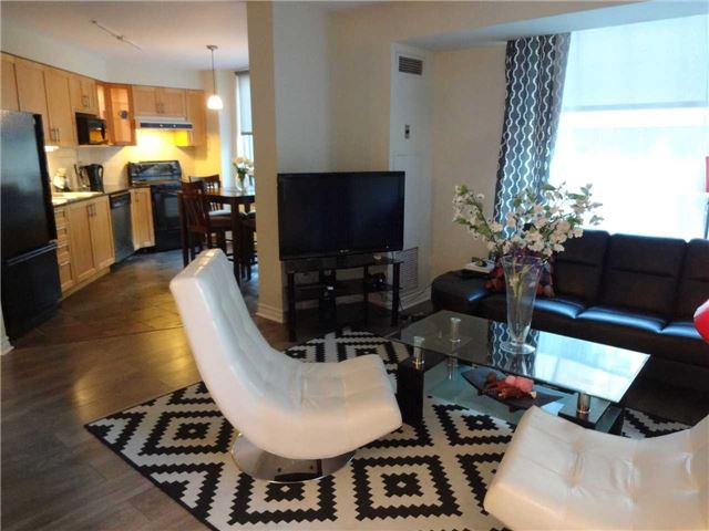 Condo Apartment at 801 Bay St, Unit 307, Toronto, Ontario. Image 18