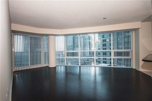 Condo Apartment at 19 Grand Trunk Cres, Unit 611, Toronto, Ontario. Image 3