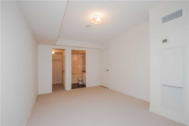 Condo Apartment at 19 Grand Trunk Cres, Unit 611, Toronto, Ontario. Image 6