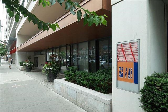 Condo Apartment at 111 Elizabeth St, Unit 106, Toronto, Ontario. Image 9