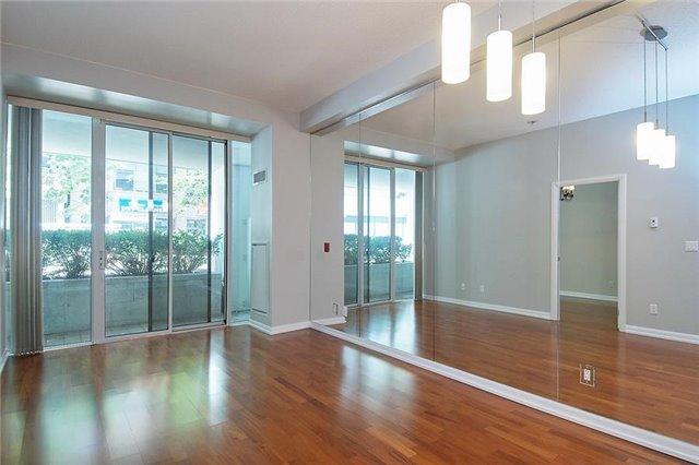Condo Apartment at 111 Elizabeth St, Unit 106, Toronto, Ontario. Image 10