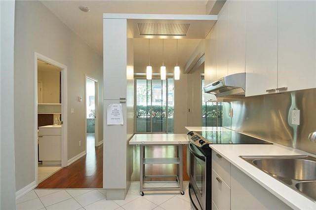 Condo Apartment at 111 Elizabeth St, Unit 106, Toronto, Ontario. Image 13